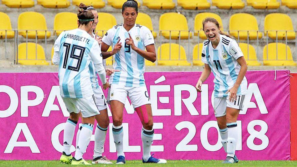 Jaimes. Juega en Francia, élite del fútbol femenino, y es figura de Argentina.