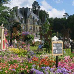 Un mar de flores durante la Fiesta de las Plantas en Bagnoles-de-l'Orne.