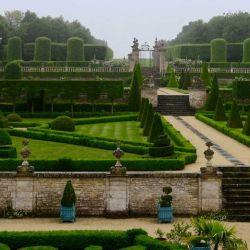 Los jardines de Château de Brécy son un ejemplo de simetría.