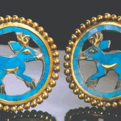 Sonajero de oro en el Museo Tumbas Reales.