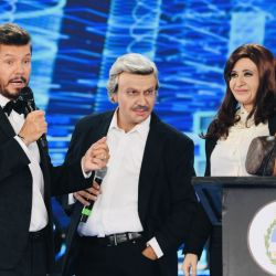 Marcelo Tinelli junto a las imitaciones de Cristina y Alberto F.