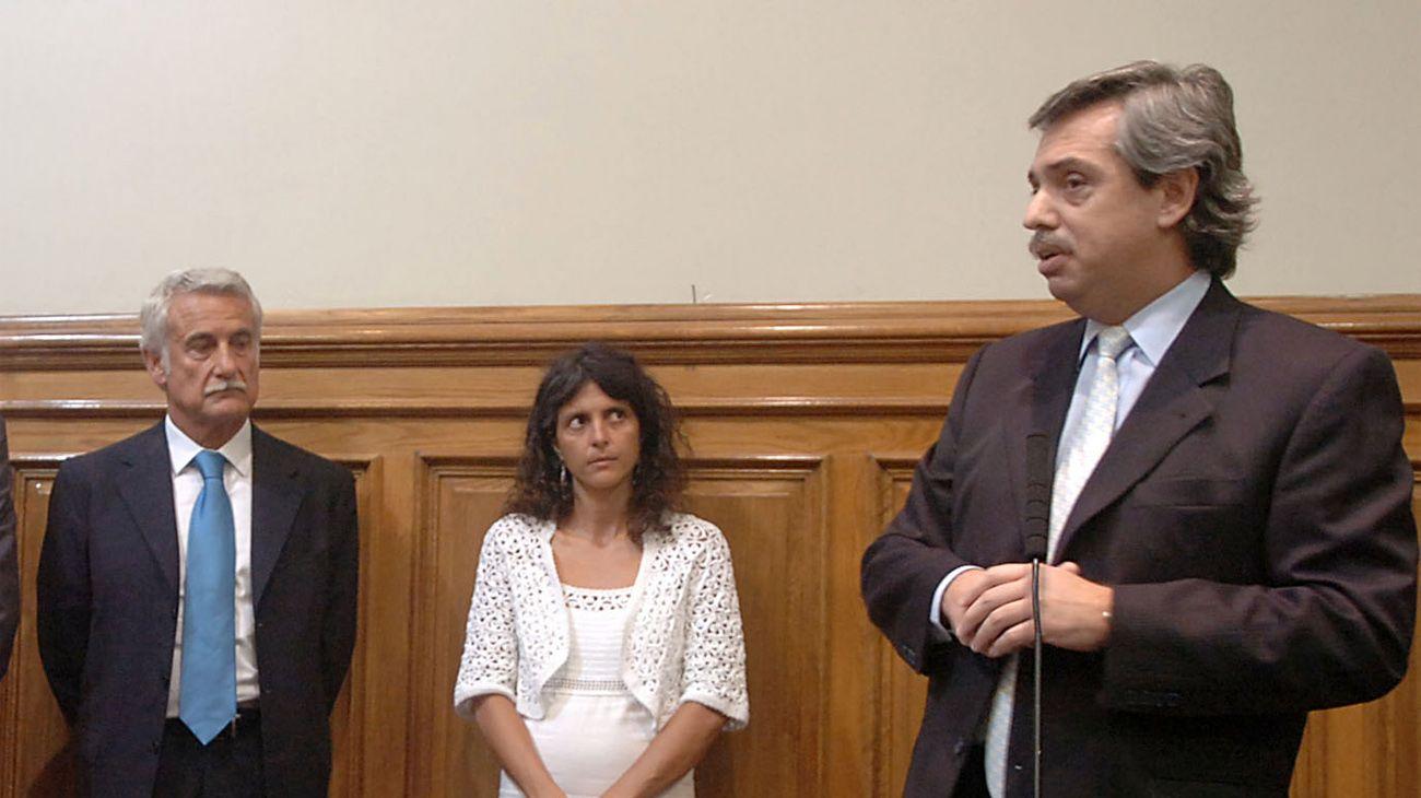 """Enrique """"Pepe"""" Albistur, Romina Picolotti y Alberto Fernández, juntos en 2007."""