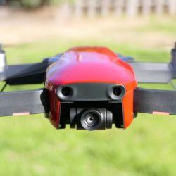 El Mavic Air cuenta con los modos Quickshot, que permiten al drone volar de forma perpendicular al piso o en círculos.