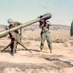 El M-28 se pensó como un arma capaz de lanzar una pequeña ojiva nuclear a pocos kilómetros de distancia.