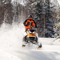Qué experiencias de aventura se pueden disfrutar más allá de las pistas de esquí.