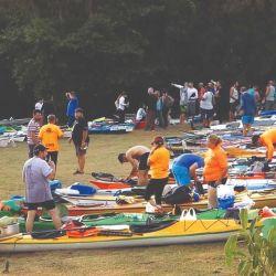 Encuentro de kayakistas en la isla Martín García.