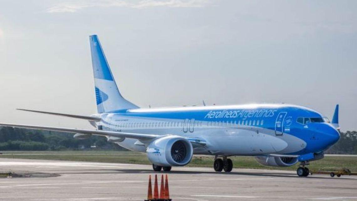 An Aerolíneas Argentinas plane.