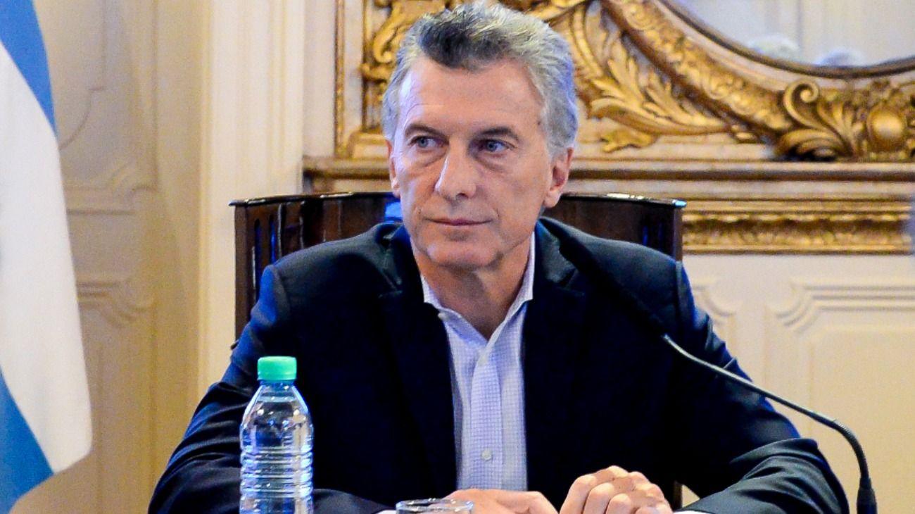 """Con una curiosa encuesta en redes, Macri prometió """"dejar atrás el pasado"""""""