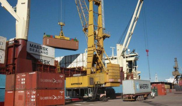 La actividad portuaria se reactiva este martes.
