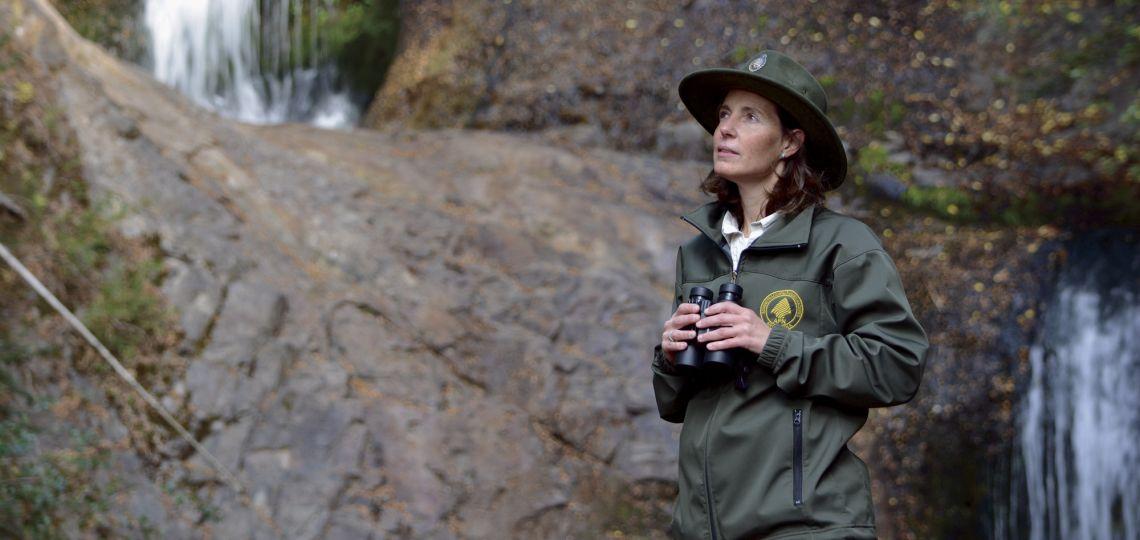 Descubrí a la mujer que cuida el Parque Nacional Nahuel Huapi