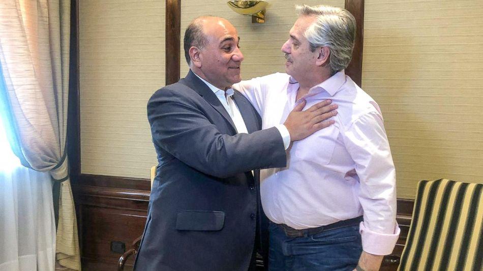 Alberto Fernández recibio al gobernador tucumano Juan Manzur en el Sanatorio Otamendi.