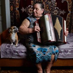 Una de las babushkas de Chernobyl, antiguas habitantes que volvieron a vivir en la Zona de Alienación después de la evacuación.