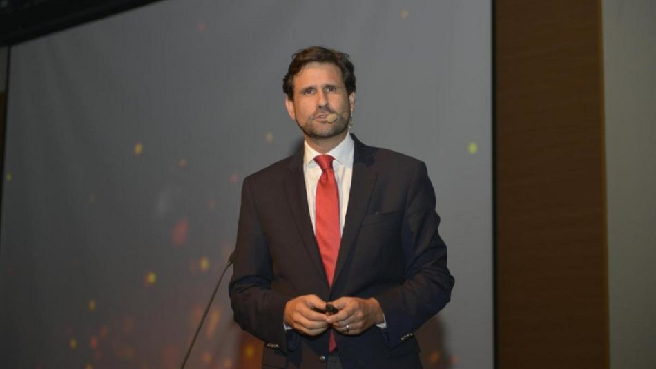 Antonio Sola, asesor político español.