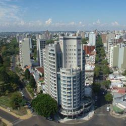 Provistos de la última tecnología, los edificios del centro ofrecen vistas panorámicas.