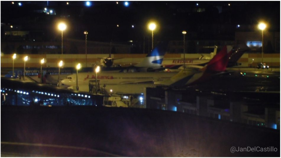 Un avión de Aerolíneas aterrizó de emergencia en Bogotá