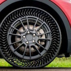 Este neumático puede soportar tranquilamente el peso de un auto desplazándose a altas velocidades.