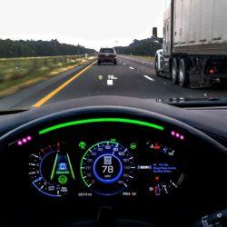 En el Cadillac CT6 con Super Cruise el sistema de ayuda a la conducción se activa mediante unos botones.