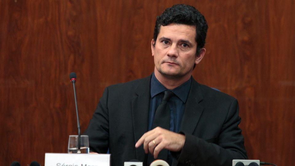 Sergio Moro, acorralado por la investigación de Greenwald