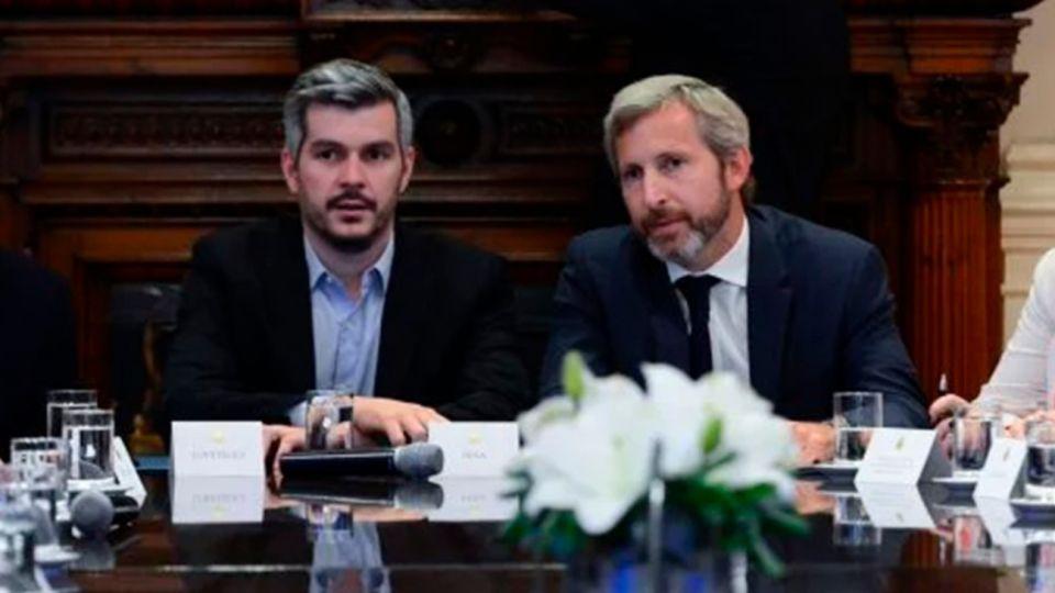 El jefe de Gabinete, Marcos Peña, y el ministro del Interior, Rogelio Frigerio.