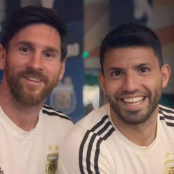 Leo Messi escrachó al Kun Agüero con una foto íntima