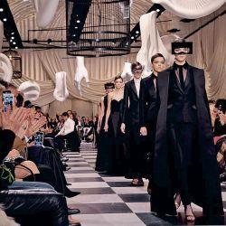 Moda y surrealismo, dos fenómenos que conviven en armonía