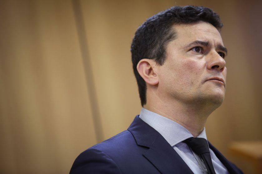 """Jair Bolsonaro: """"Le di un beso heterosexual a nuestro querido Sergio Moro"""""""