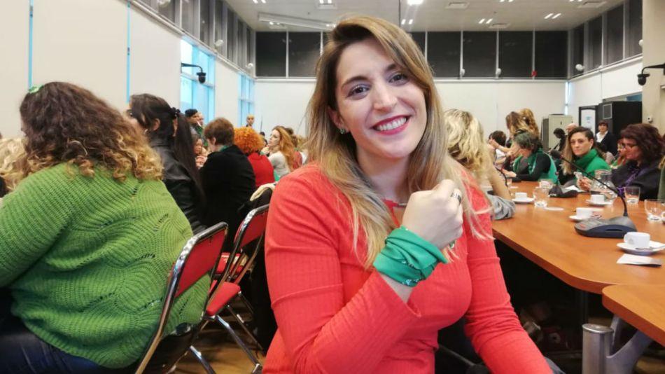Castañeira en el Congreso al participar en la presentación del proyecto de Interrupción Voluntaria del Embarazo.