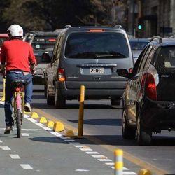 Usar la bicicleta es una de las mejores formas que existen para moverse por la ciudad.