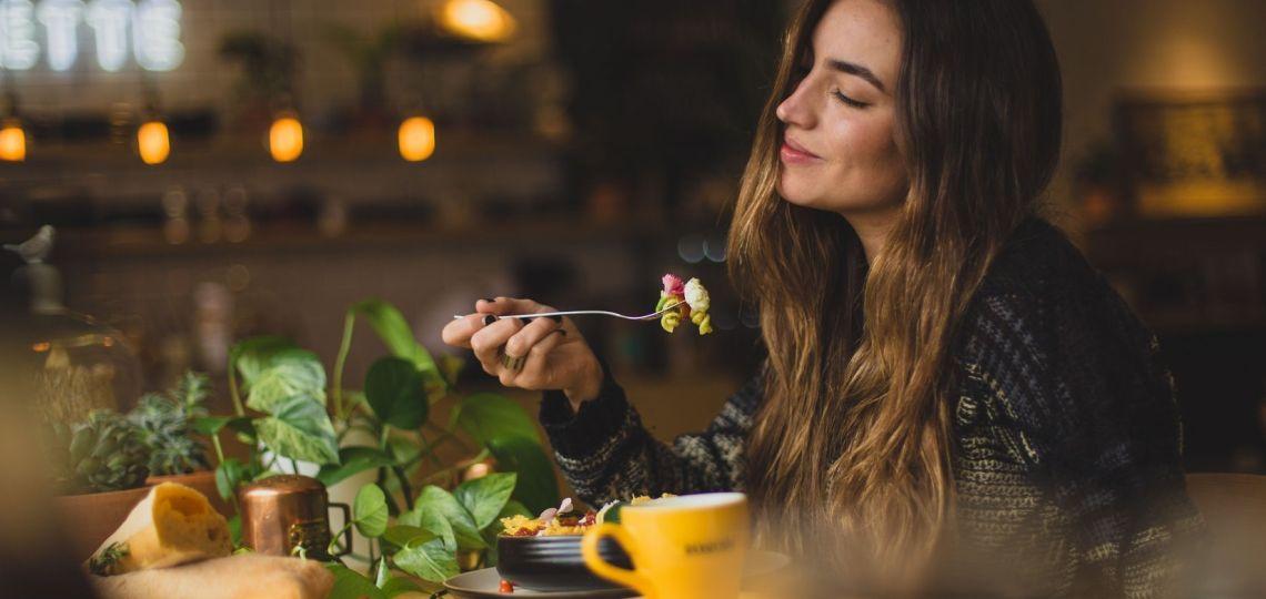 Tips para mantener una alimentación saludable sin caer en la tentación