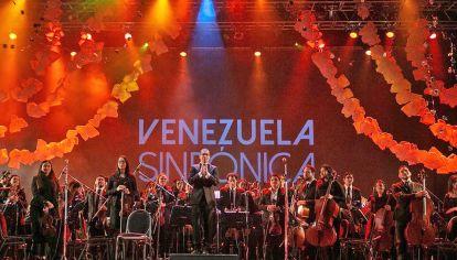 En escena. En mayo tocaron en Parque Centenario, en una acción por Venezuela, a la que asistieron 1.600 personas.