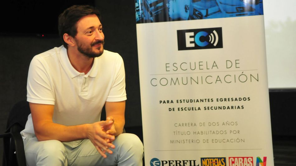 Martín Yeza en la Escuela de Comunicación de Perfil.