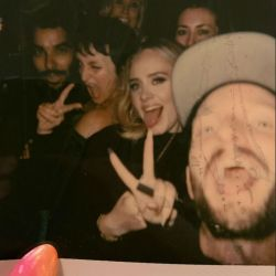 Adele y sus amigas