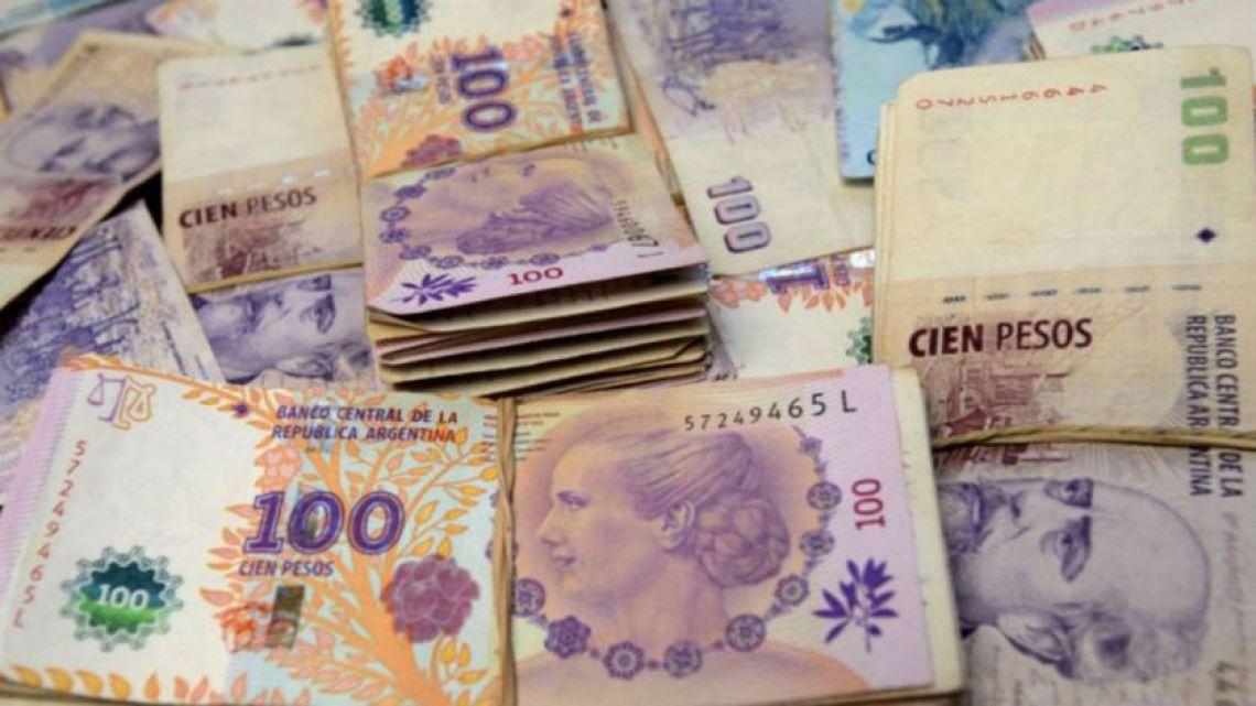 Argentina's 100 peso bills.