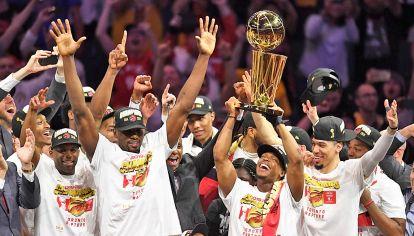 Raptors. La franquicia de Toronto se convirtió en la primera no estadounidense en ganar el torneo.