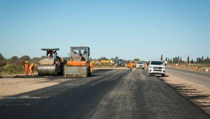 OBRA. Para habilitar la nueva vía se realizaron obras entre la traza de la actual ruta y la nueva autopista.
