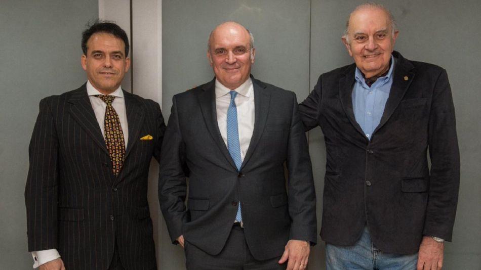 De izquierda a derecha. Gonzalo Mansilla de Souza (presidente nacional de UCeDe), José Luis Espert y Alberto Asseff (presidente titular de Unir).
