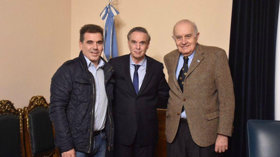 Alberto Asseff, junto a Pichetto y Ritondo.