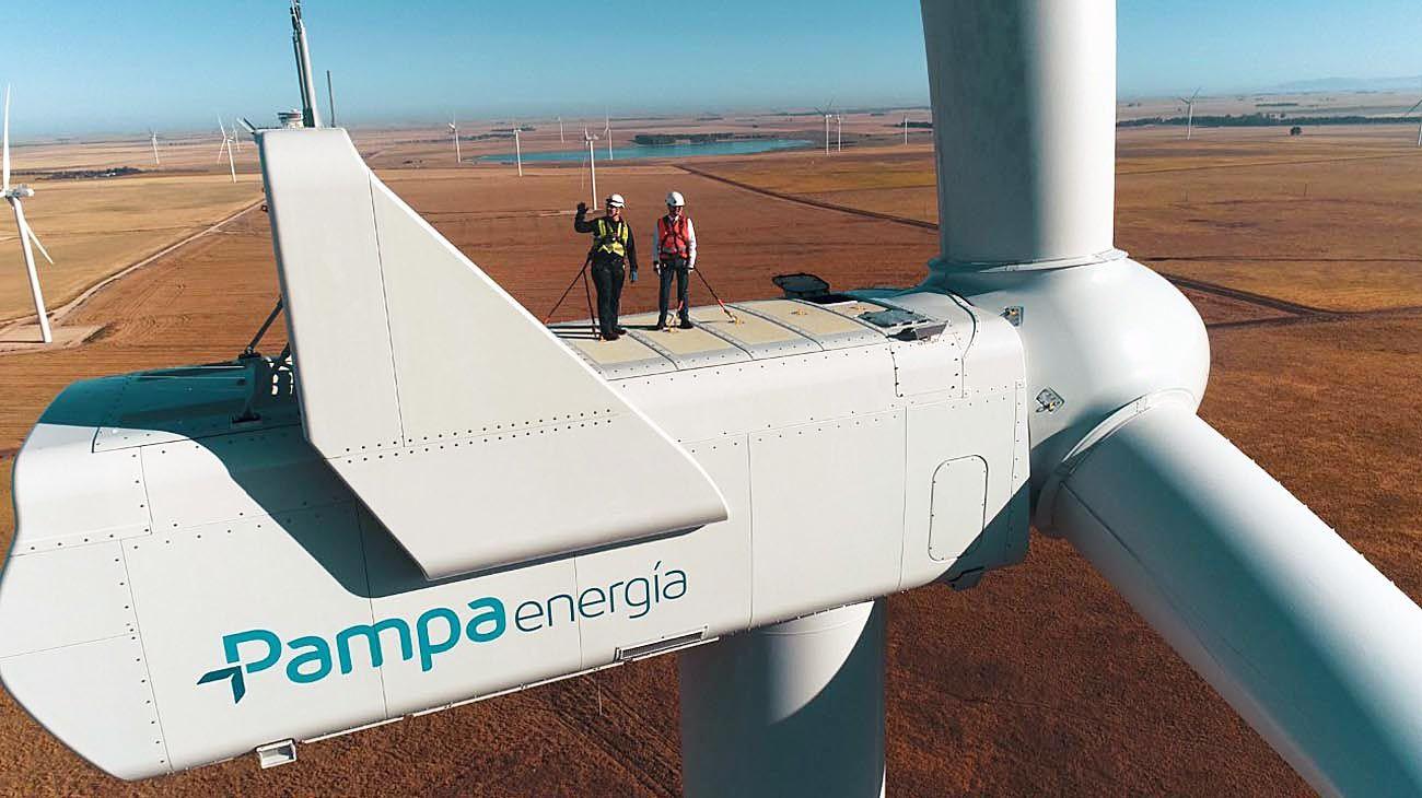 Como el viento. En línea con la Casa Rosada, Mindlin inauguró un parque eólico en Bahía Blanca.
