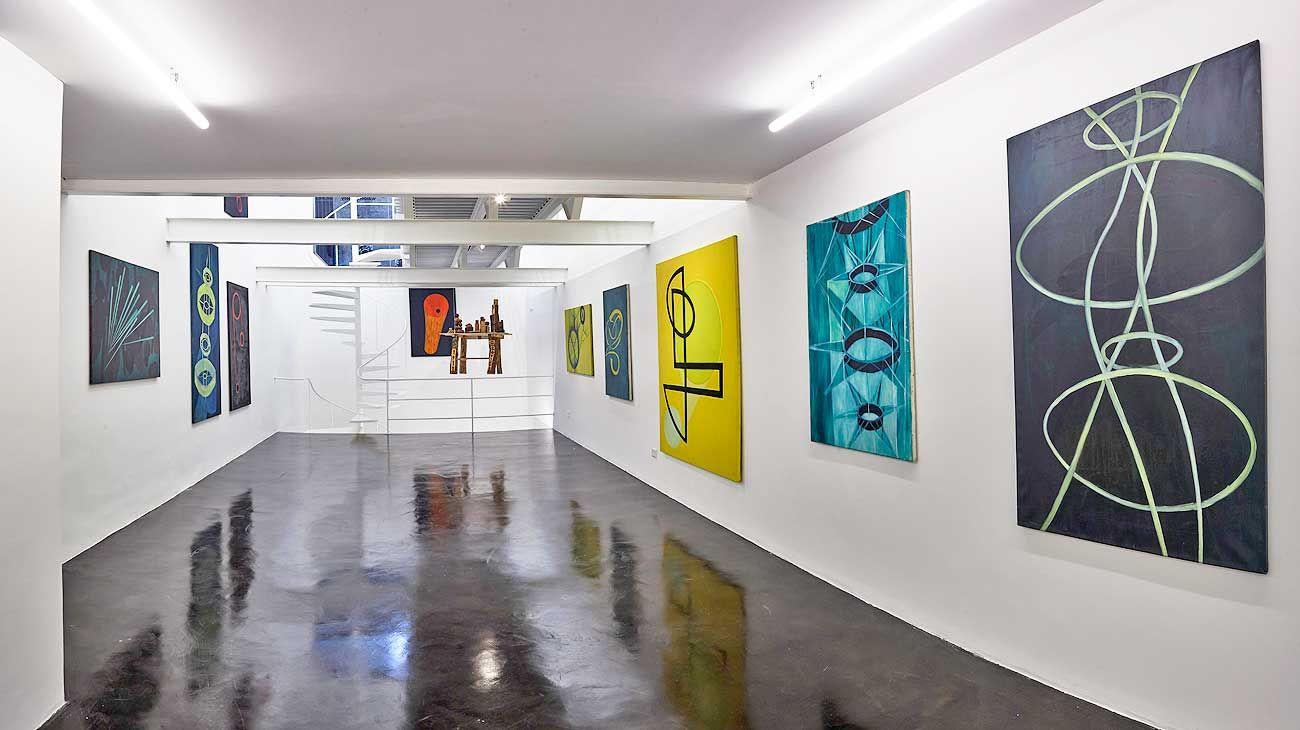 De ayer a hoy. La muestra reúne los trabajos de Jitrik de los años 90 –cuando se dedicaba a pintar más las formas que el contenido–, así como obras contemporáneas.