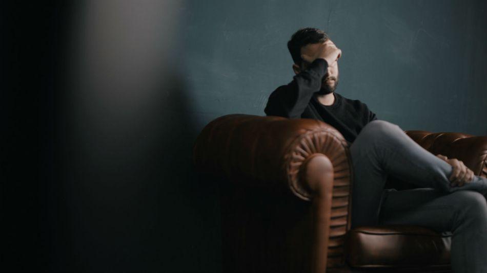 El ajuste, la desigualdad y la inseguridad laboral son malas para la salud mental, según la ONU.