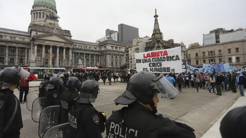 Marcha en reclamo por los comedores en la Ciudad de Buenos Aires.