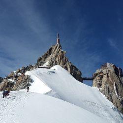 El Mont Blanc cada vez es más visitado, sin importar su alto grado de dificultad y el peligro que implica su ascenso.