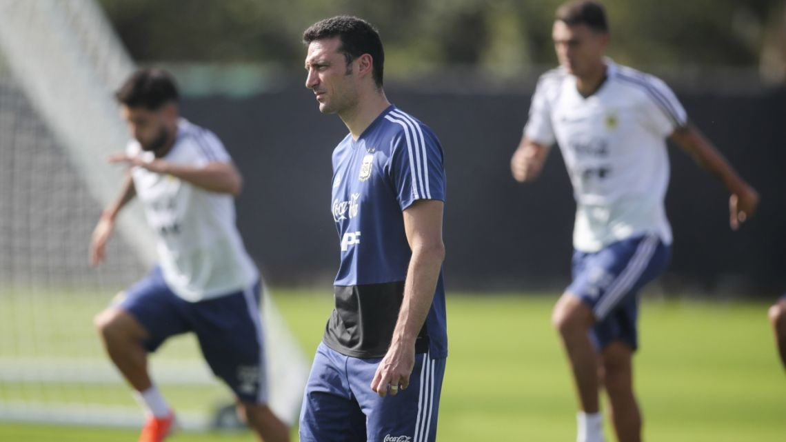 Lionel Scaloni watches a Copa America's training session in Porto Alegre, Brazil, Monday, June 24, 2019.
