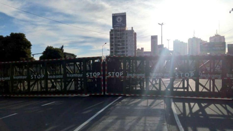 La supervalla en el Puente Pueyrredón.