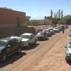 La caravana en Alto Jagüe registrando su paso en la oficina de Parques.