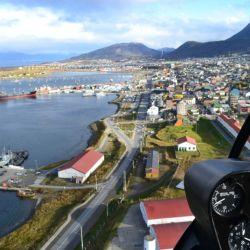 Uno de los mejores momentos del vuelo en helicóptero es cuando se posa sobre Los Andes.