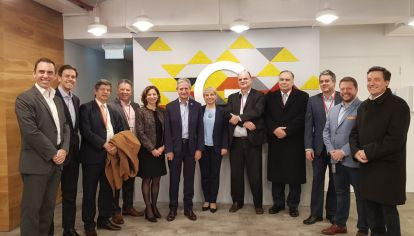 El secretario de Modernización, Andrés Ibarra, junto a Pablo Beramendi, director general de Google Argentina y demás autoridades durante el anuncio.