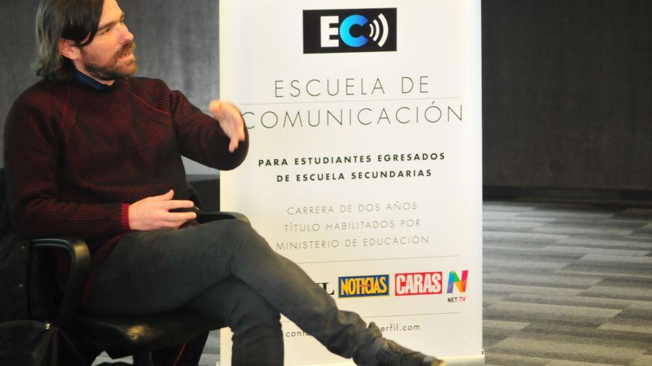 Nicolás Del Caño en la Escuela de Comunicación de Perfil.