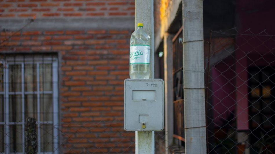 Tucumanos implementan un curioso sistema para ahorrar energía.