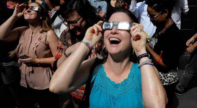 Valle Nevado tendrá actividades gratuitas para observar el eclipse de sol